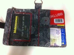 Pulvertroll's Design: Plånbok med handtag