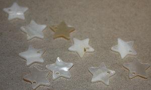 Smycke Snäckskalsstjärnor 5 mm 10 st vit